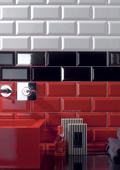 Negro Biselado Brilo 10x30 - интерьер №1